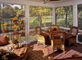 田园色彩浓郁的餐厅,不仅拥有足够的户外阳光,而且还有来自自然的藤质家具,在阳光明媚的日子里就着窗外美景进餐,是多么美好的事情!,餐厅,田园,餐台,原木色,白色,黄色,