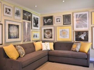 现代大型相片墙,墙面完全做成相片墙,充分满足摄影控的展示欲望。,客厅,现代,小资,相片墙,黑白,黄色,