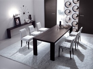 现代简约主义餐厅,简单的摆设配以冷色调的渲染显得格外整洁高雅。,餐厅,现代,简约,黑白,白色,餐台,