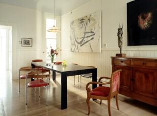 现代简约风格餐厅,简洁的线条家具和小资情调的装饰品提升了整体的品味。,餐厅,宜家,现代,简约,餐台,黑白,白色,原木色,灯具,