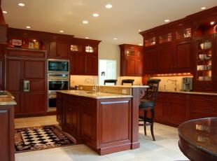 现代原木厨房,体现出一种内敛的华贵。,厨房,现代,中式,宜家,吧台,收纳,原木色,黄色,