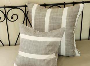 颜色素雅,经久不衰的条纹,灰色和白色相间,就像爱的轨迹,温馨舒适,轻松随意,简洁大方。,现代主义,靠垫,