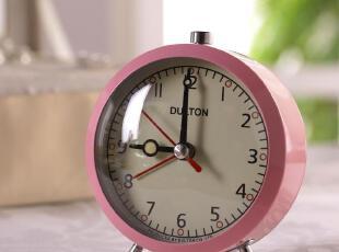 品 名 粉色闹钟  品 号 MKHS0304-0052-1B 售 价 ¥145元/件 规 格11*9*7cm 材 质金属 产 地中国北京,