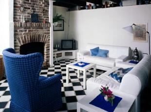 蓝与白:这是比较典型的地中海颜色搭配。,地中海风情,客厅,