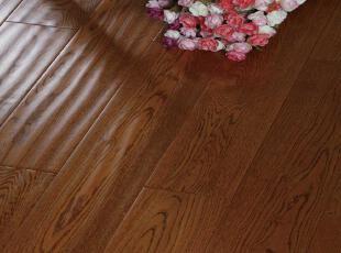 木地板材质: 橡木木地板面层工艺: 仿古地板适用空间: 室内,现代主义,地板,