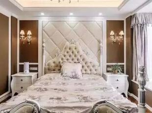 卧室看起来则相对奢华一些,吊灯与床头各造型的相互陪衬,予人现代感而又高贵得体。,