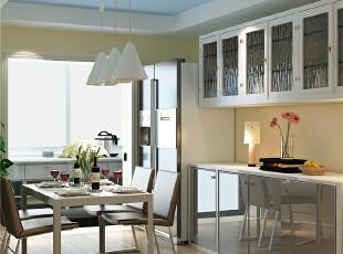 餐厅:此空间改动不是很大,在原有的基础上,通过原有的梁制作的简单的吊顶,增加空间感,餐厅增加橱柜,来增加收纳空间。,