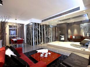本案的整体结构非常注重开放与半开放的结合,书房的清玻隔墙把客厅的狭窄开间变得豁然开朗;开放式厨房与餐厅紧密结合,形成前卫的就餐空间,