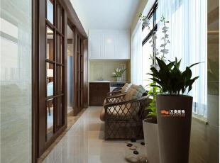 实用性与生活的方便性结合,洗衣机上面吊柜的设计可以放一些洗衣用品及提升空间乐趣的绿植。,