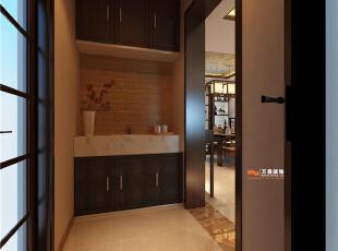 此走廊并非纯走廊,它是客餐厅的一部分,所以在设计走廊空间时,充分考虑了与客餐厅的结合,用吊顶把区域空间划分开,让客餐厅及走廊空间有了层次感。,