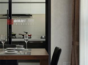餐厅的对面就是厨房哦,