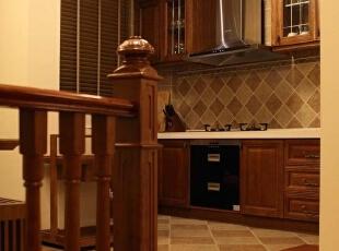 木质的橱柜,