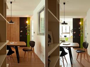 原木制的推拉门跟客厅整个整体的效果,不管是色彩还是造行,搭配的都是那么的自然化,