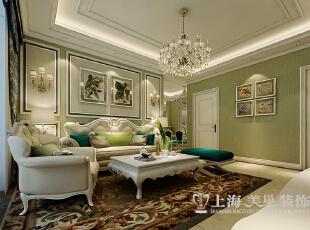郑州锦艺轻纺城3室2厅装修简欧案例89平样板间——沙发布局效果,白色木制线条加壁纸,欧式元素更强烈。 ,