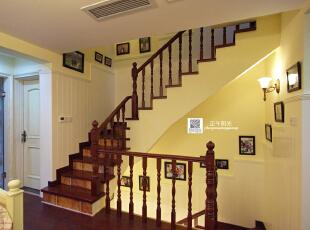 这是二楼起居室完工后的照片,