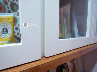 这过道书房的实景照片  现场制作的柜子也可以这么精细优美,