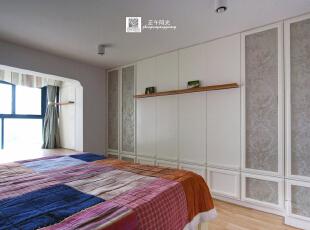 这是卧室的实景照片,