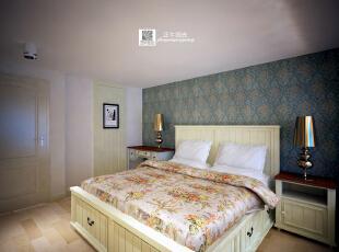 这是设计时画的卧室效果图,