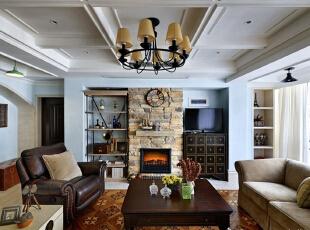 """摒弃了繁琐和奢华,并将不同风格中的优秀元素汇集融合,以舒适机能为导向,强调""""回归自然"""",使居家变得更加轻松、舒适。突出了生活的舒适和自由,不论是感觉笨重的家具,还是带有岁月沧桑的配饰,特别是在墙面色彩选择上,自然、怀旧、散发着浓郁泥土芬芳的色彩。 ,"""