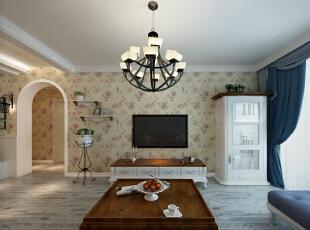 客厅的配饰主要选择欧式的的柜体,矮桌和电视柜,再加上一些偏欧式的吊灯然后搭配大花壁纸。,