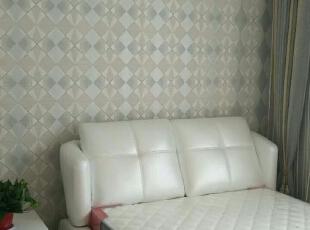 次卧壁纸墙,