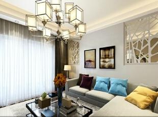 吊灯的造型是亮点,温和的光源色彩也让客厅的氛围更加舒适。配合多彩的沙发靠枕,这里也算是待客小憩的好地方。 ,