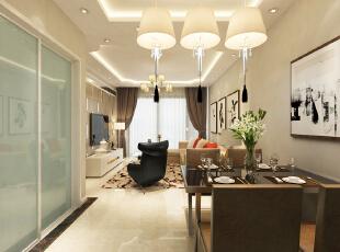 餐厅灯的造型是亮点,吊顶上的射灯会让整个区域更加明亮。 ,