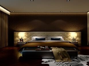 主卧室床头背景墙运用仿树皮质感的壁纸,活动类家具的材质还是以现代主义比较时尚简洁的家具位置,家具在细节上如沙发绷扣及皮质的质感及家具色彩点缀对比的运用,让古典与现代融合的淋漓尽致。主要材料:进口涂料、进口大理石、镜面,原木,红砖。,