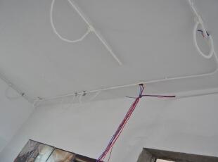 天花吊顶线管铺设,