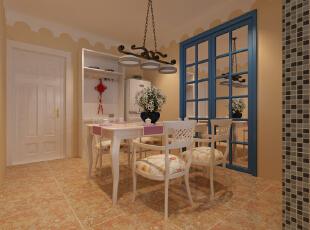 橙黄色地砖的使用,使空间增添几分质朴和自然感,链条吊灯、盆栽则营造出私人的浪漫空间。,