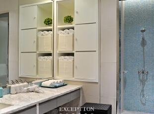 淋浴室,简约现代家私搭配素净的颜色,白与蓝和谐配比带来最柔和的视觉感受,塑造干净健康的环境氛围,让妈妈们得以在最安心的环境下完成梳洗。,