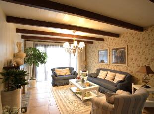 秋天是收获的季节,这个时节领略田园风格的居室装修,又会有另外一番感受。清新的嫩绿风格的装饰,如图画般的优雅恬静。,