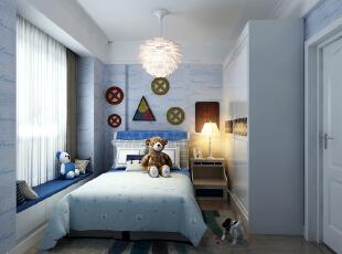 蓝色主调适合男生,用暖色的床头灯来冲淡冷色调,会在夜里带来一丝温暖。,