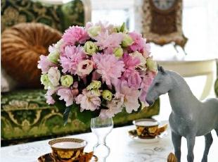 客厅桌面装饰,满园春色。,