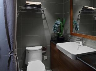 卫生间以美观实用为主,功能分区的合理设计使每一处空间都得到了最好的应用,
