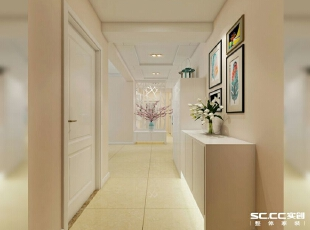 白色花格通顶与走廊吊顶的结合,区域分明,花格既能遮挡客卫门,又能把狭长的走廊分割成两段。,