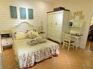 美式田园风格卧室欣赏,真的是太舒服了