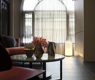 142平现代简约三居室