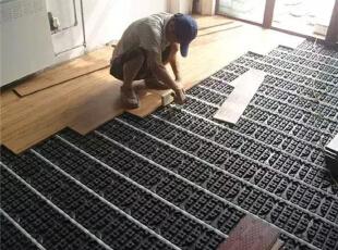 地暖上是铺地砖还是地板?