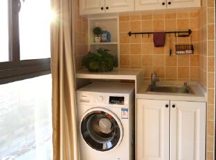 阳台洗衣机一体柜,利用结构做了一组这样的收纳,比较实用.图片