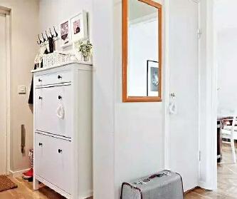 69平米白色复式公寓,清...