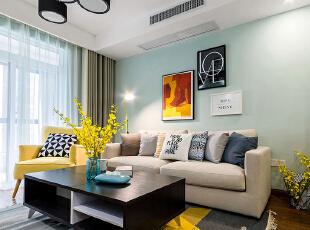 ,客厅,春色,白色,原木色,相片墙,