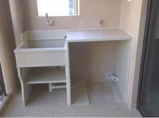 一开始不想在阳台做个洗衣池,做完之后才发现真心方便!