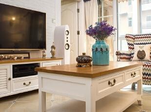 ▼电视背景墙采用文化石设计,客厅,白色,原木色,蓝色,黑白,收纳,