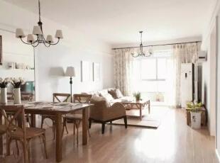 美式三居室温馨而又质...