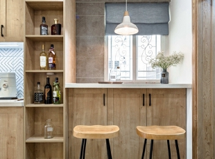 小吧台的形式体现出案主平日喜爱小酌一杯的浪漫情调,餐厅,白色,原木色,吧台,