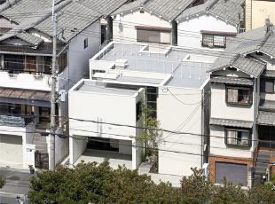 大阪:夹缝中的住宅