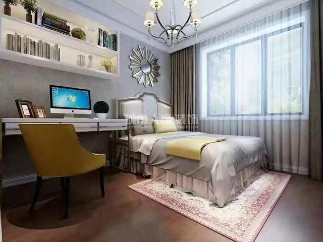 简欧风格客厅做了简单的吊顶,电视背景墙用大理石做的造型,以精简为主