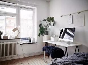 将小角落利用起来,就是一间毫不逊色的书房!