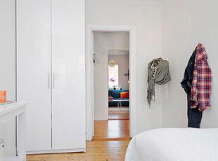 131平摩登糖果色复式公寓,